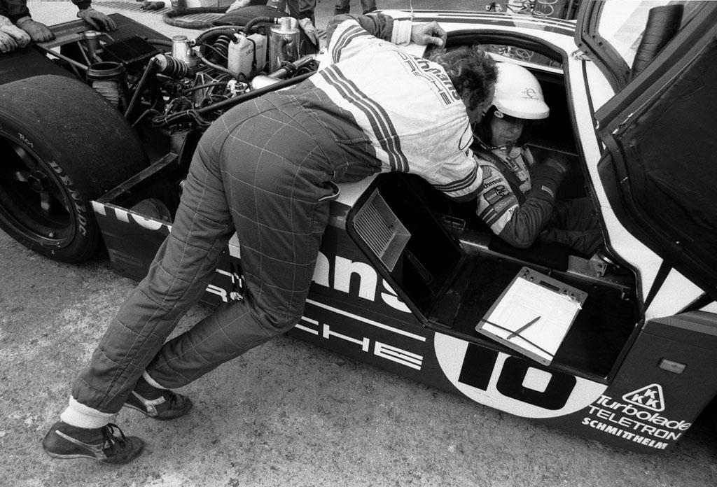 Jochen Mass og Bob Wollek, Jerez (E) 1987 – Kamera: Nikon F3, Film: Ilford HP5